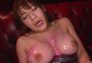 oiled Honda Riko gets her cunt filled with a dildo and friend's vibrator