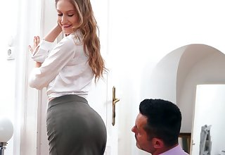 Svelte hot Tiffany Tatum is ready of some terrific banging unfamiliar behind