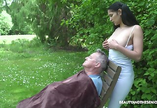 18 yo sitter Ava Black gives a blowjob to superannuated fart with an increment of gets laid encircling the garden